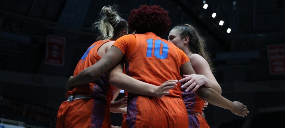 Short-Handed Gators Battle But Fall to Villanova in WNIT Second Round